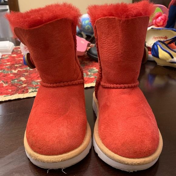 UGG Shoes   Toddler Size 7 Red Ugg